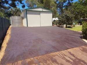 Perth hills - red asphalt shed driveway