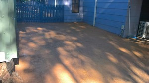 Gravel hardstand driveway