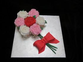 Cupcake bouquet on Board
