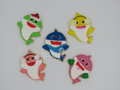 Baby shark cookies winter