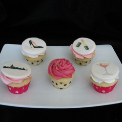 Edible images on cupcakes