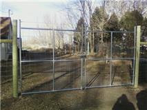 Game Fence with Chain Link Double Drive Gate