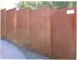 Rusty Corrugated Privacy (Staggered Pane