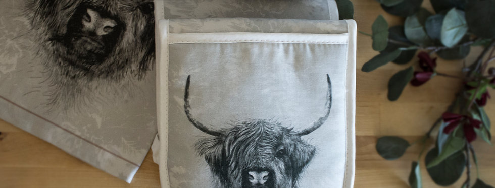 Highland Cow Luxury Oven Gloves