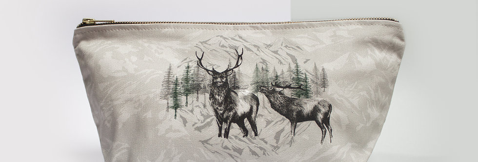 Highland Deer Wash Bag