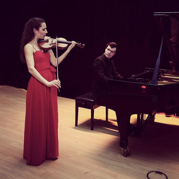with violinist Johanna Röhrig at a recital in Hamburg