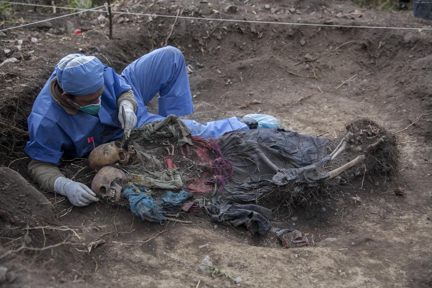 El Exhumador de los Andes 006