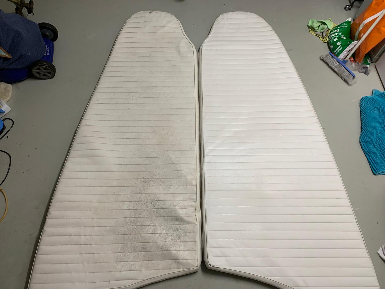 Vinyl sun pad cleaning