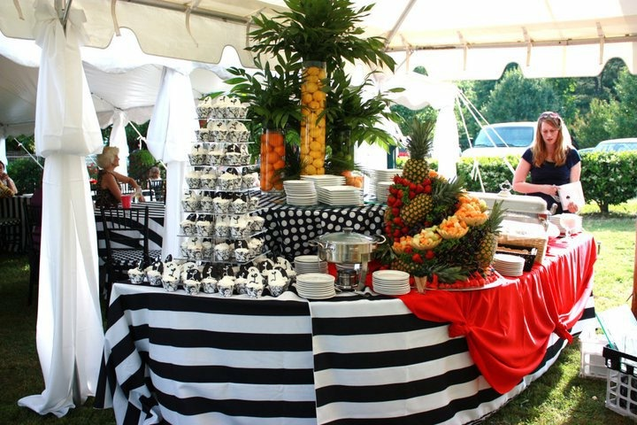 Food table black & white stripe