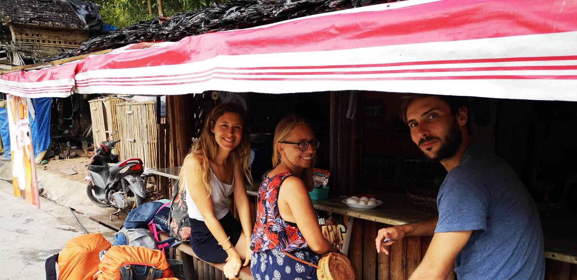 Petit déjeuner sur la route d'El Nido