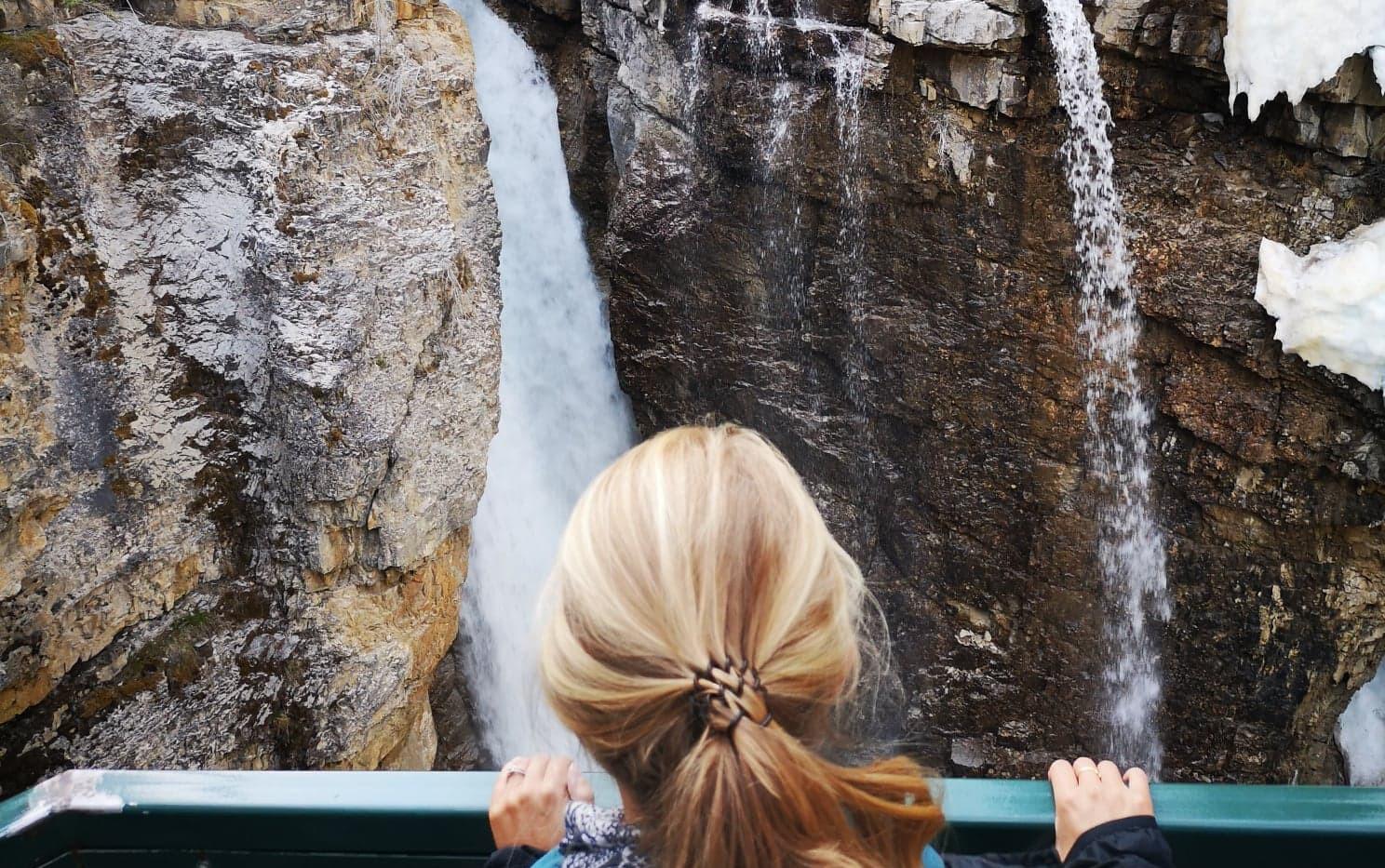 Sarah au Johnston Canyon