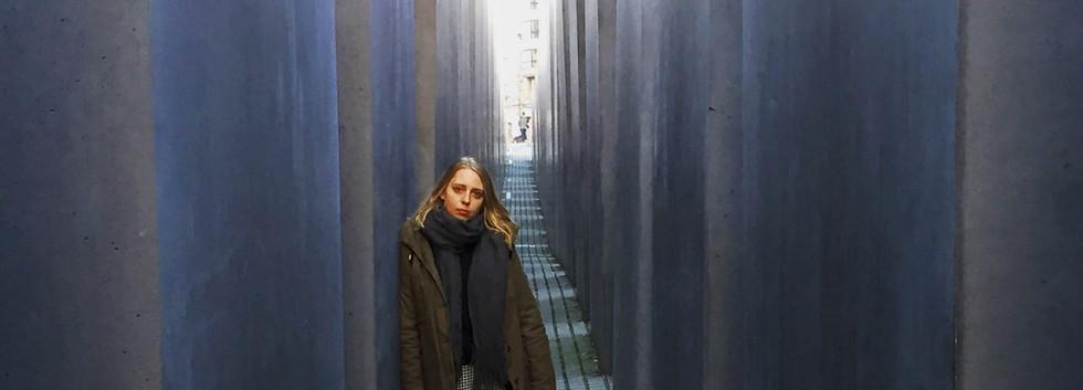 Sarah au mémorial de la Shoah