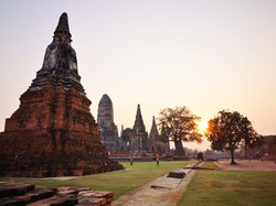 Coucher de soleil au Wat Chai Watthanara