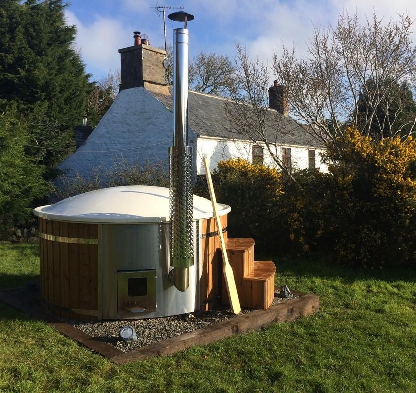 hot tub farmhouse