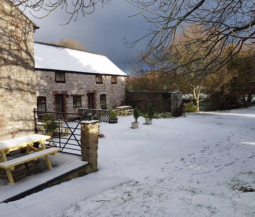 Cottages snow