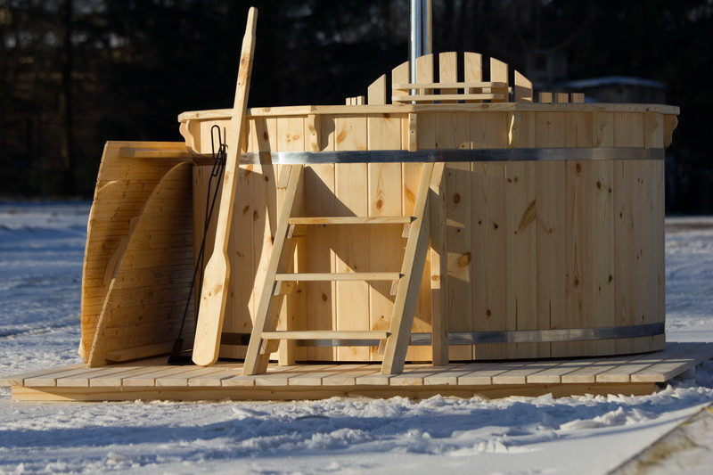 All wooden wood fired eco hot tubs can be used in any weather