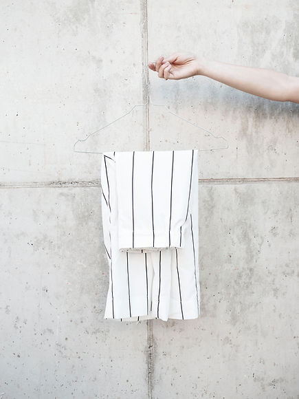 Hosen auf Kleiderbügel