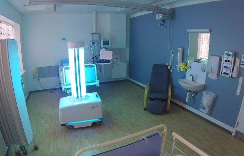 ROBOTS USES UV RAYS TO DISINFECT THE HOSPITALS