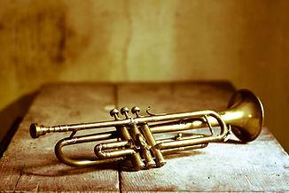 trompete-f-1000.jpg