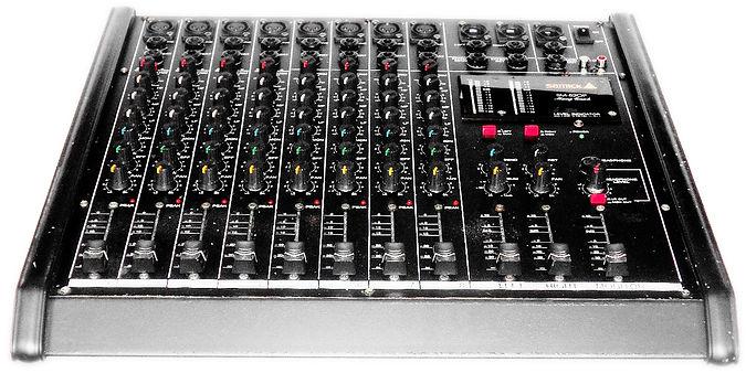 Samik SM-820P Mixing Deck