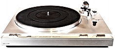 JVC L-A21 Turntable_edited_edited.jpg