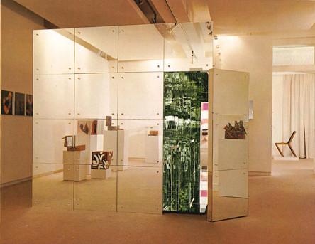 Abb. 7: Lucas Samaras, Mirrored Room, 1966, Spiegel auf Holz, 243,84 x 243,84 x 304,8 cm, Albright-Knox Art Gallery, Buffalo.