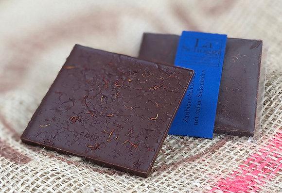 Handgemachte Edelschokolade mit reinen Safranfäden