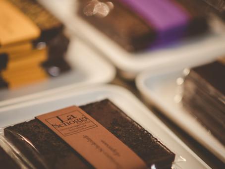 Wie 100% handgemachte Schokolade entsteht – Folge 5: Von der Kuvertüre zur fertigen Tafel