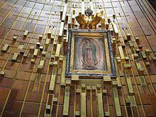 María: Adoración vs. Veneración