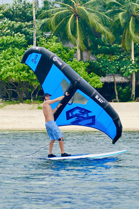 Raph wingsurfing Stand up paddle Siargao Lagoon