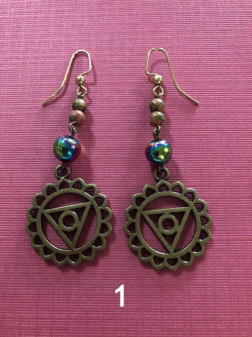 Antique gold colored earrings