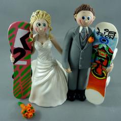 snowboarding bride and groom wedding cake topper