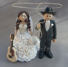 country wedding cake topper with guitar
