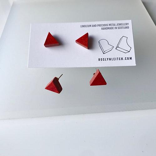 Tri-trangle stud earrings - Scarlet
