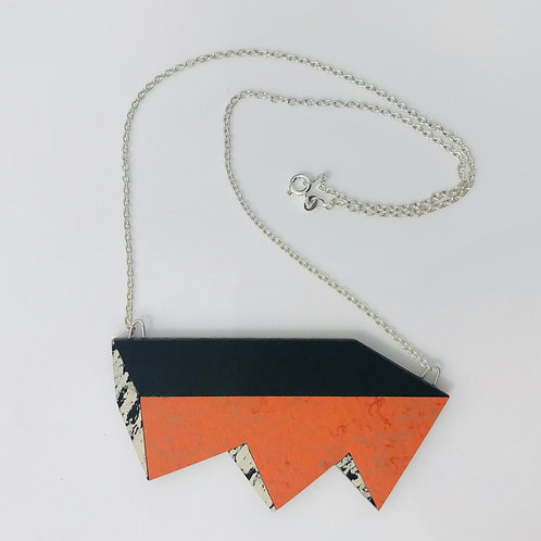 Jagged perspective necklace - Orange Glow