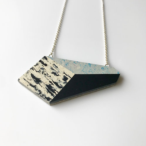 Perspective necklace - Bluemoon