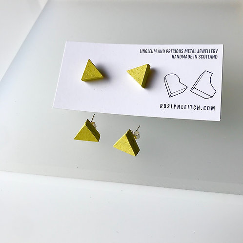 Tri-trangle stud earrings - Yellow Glow
