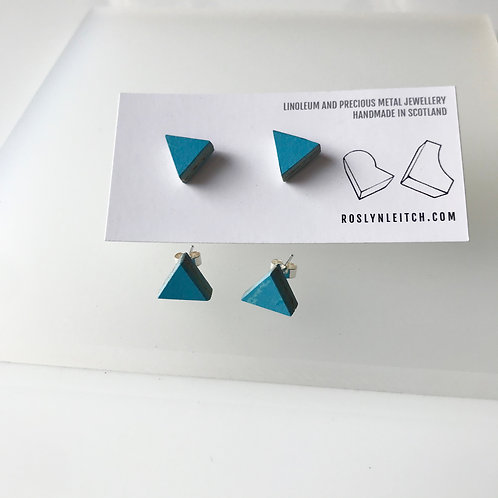 Tri-trangle stud earrings - Nordic Blue