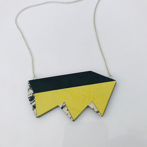 Jagged perspective necklace - Yellow Glow