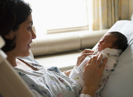 The Difference Between A Doula & A Midwife