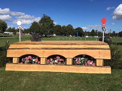 portable cross country jumps built and delivered by Evansjumps