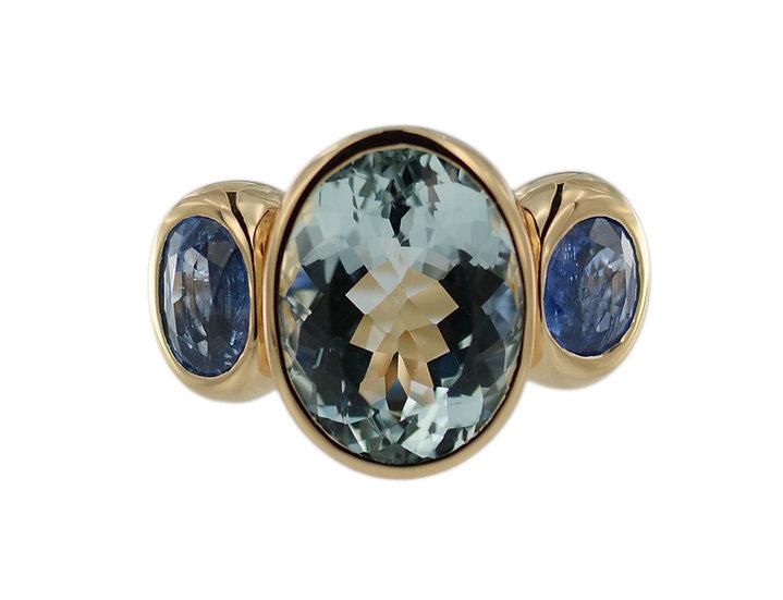 Ring mit Aquamarin & blauen Saphiren