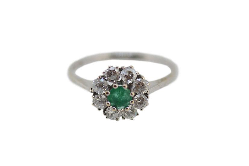 Ring Entourage mit Smaragd & Diamanten