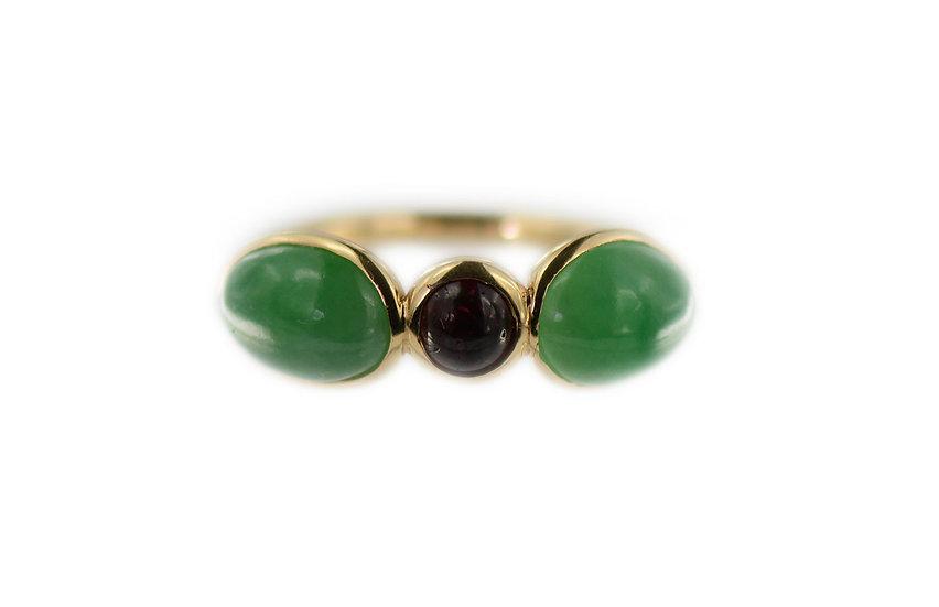 Ring mit Jadeiten grün & Rubin