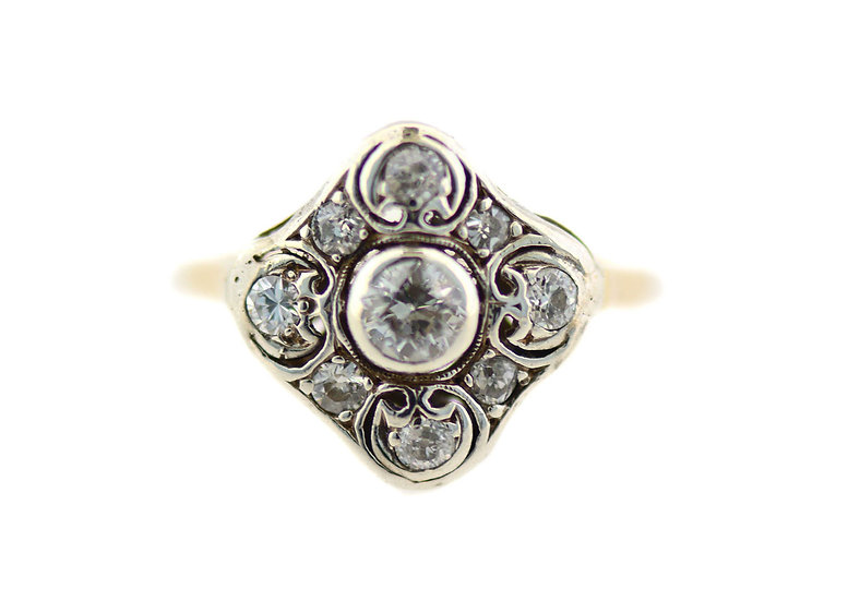 Ring mit 8 Diamanten