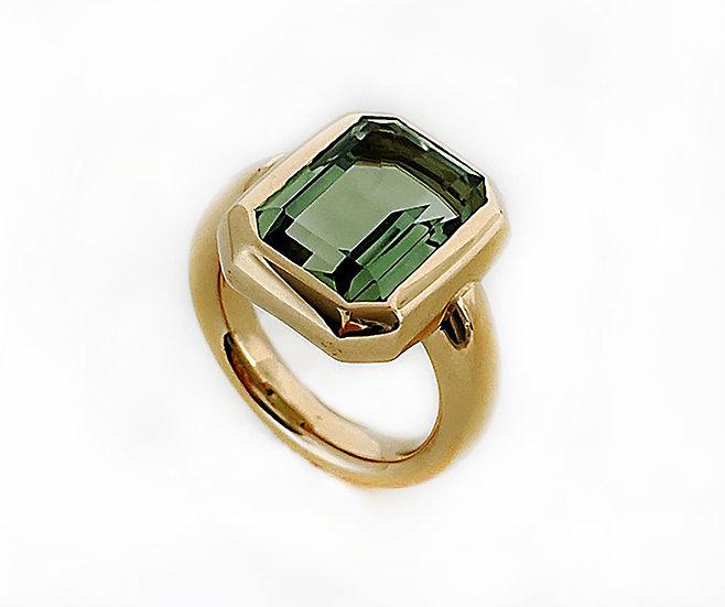 Ring mit grüner Turmalin Baguette