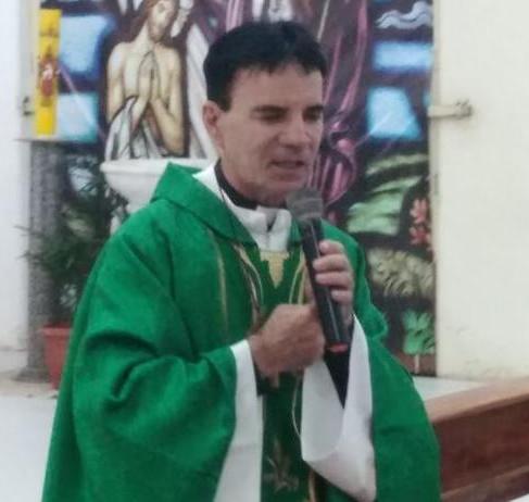 Live com o padre Fernando Ávila, nesta segunda, em prol da Festa de Santa Teresa