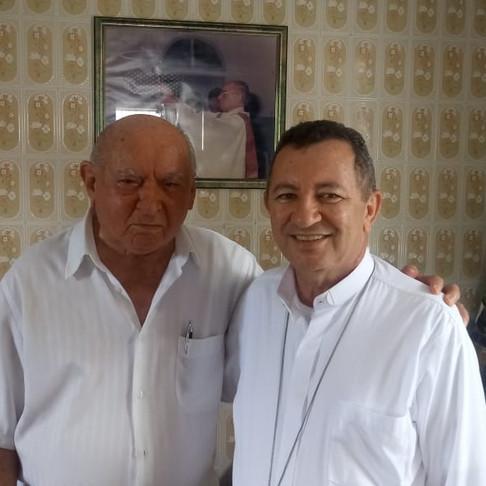Monsenhor Carvalho e Padre Gilson Garcia recebem visita de Dom João Costa