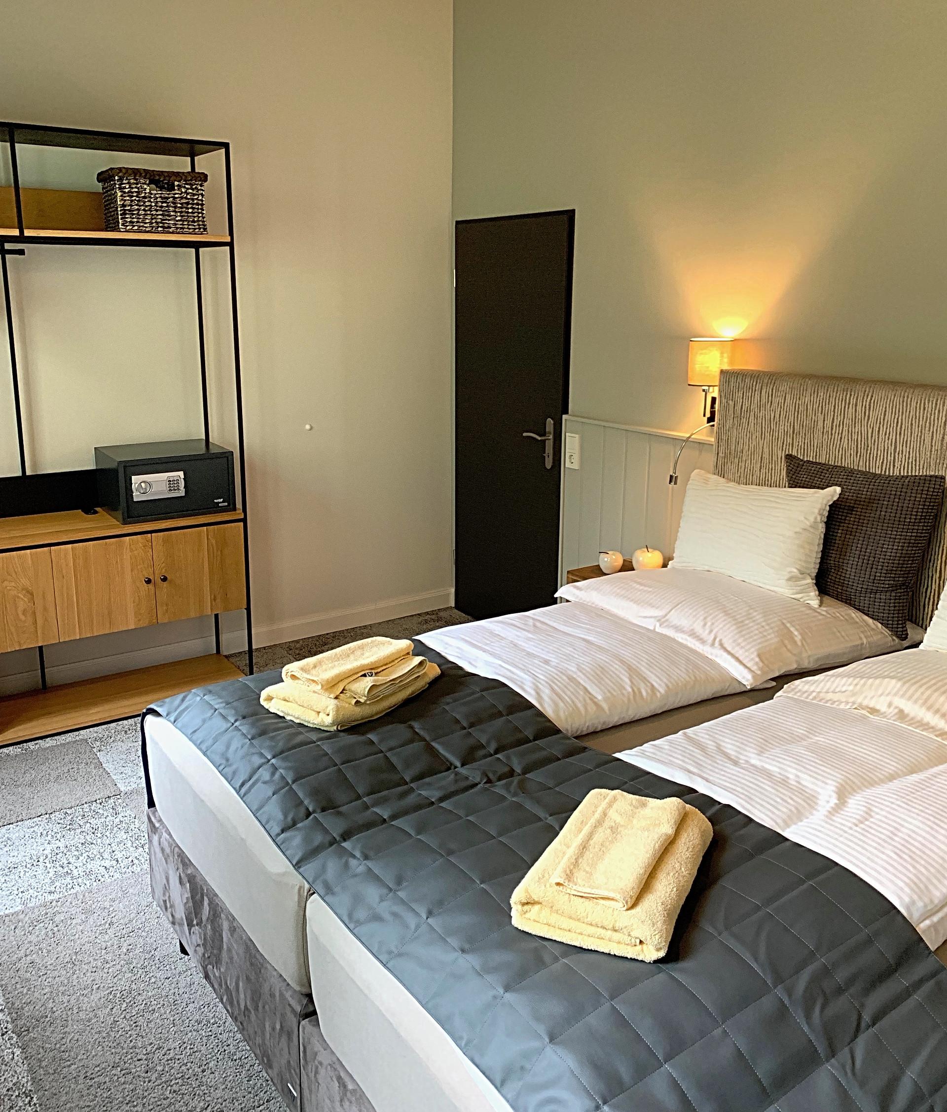Hotel-Besotel-Hochdahl-Übernachtung-Erkr