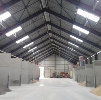 Construction d'un bâtiment agricole destiné au stockage de céréales (1).